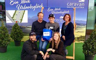 Geht es nach Familie Gfrerer, dann ist der Reisemobil- Parkplatz in Velden die erste Station einer Reihe von Rastplätzen für Reisemobile in Kärnten. (Foto: G.U.T.)