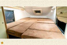 Betten bauen als Tetris-Spiel. Die Liegefläche ergibt 2 x 1,7 Meter. (Foto: Schwab/madeinrussia.de)