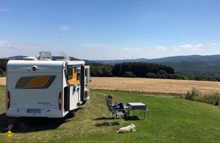 Die User der Stellplatz-App Campercontact haben den Reisemobil-Stellplatz Höhenblick in Oberbrombach zum deutschen Stellplatz des Jahres gewählt. (Foto: Campercontact)