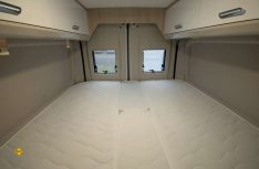 Die komfortablen Einzelbetten lassen einfach zu einem Längs-Doppelbett umbauen. (Foto: det / D.C.I.)