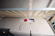 Unter den Bettkästen ist der Frischwasser frostsicher untergebracht und zusätzlicher Stauraum verfügbar. (Foto: det / D.C.I.)