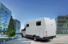 Formschön, aber erfolglos: Der Reimo Monos mit einem GfK-Monocoque-Aufbau auf dem VW T 5 aus dem Jahr 2011. (Foto: Reimo)