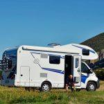 Aktuelle Umfrage – Zwei von Drei können sich dieses Jahr Urlaub im Camper vorstellen
