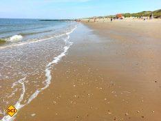 Am Strand von Callantsoog in Nord-Holland kann man stundenlang laufen, entspannen und mal alles andere vergessen. (Foto: tom/D.C.I.)