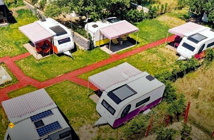 Social Distancing im Tourismus mal anders. In Izmir hat als Alternative zum Hotel ein Caravan-Hotel mit hohen Hygiene-Standards eröffnet. (Foto: DHA)