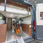 Neuheiten Saison 2021 – Karmann bringt Campingbus mit Motorrad-Garage und Hubbett