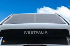 In die Dachschale des Aufstelldaches hat Westfalia ein flexibles Solarmodul eingepasst. (Foto: Westfalia)