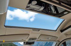 Bringt Licht und Luft an die Sitzgruppe: Das neue Panoramadach Skyview. (Foto: Westfalia)
