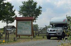 Am Parkplatz der Grenz-Gedenkstätte Stresow sind auch Wohnmobile willkommen. (Foto: det / D.C.I.)