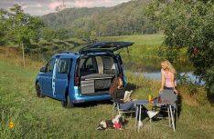 Die bequemen California Campingmöbel sind serienmäßig an Bord. (Foto VWN)