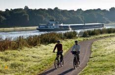 Radler am Eleberadweg: Der bekannte Radwanderweg bietet viel Natur und und reizvolle Orte. (Foto: IMG)