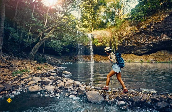 Herbstzeit ist Wanderzeit: Bunte Blätter, frische Luft und noch immer warmes Sonnenlicht locken Ausflügler in die Natur. (Foto: AllTrails.com)