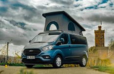 Der neu Kompakt-Van Bürstner Coppa mit Aufstelldach wird auch in einer 4x4-Version angeboten. (Foto: Bürstner)