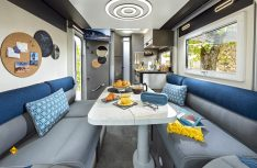 Die Face-to-Face Lounge-Sitzgruppe im Chausson Combo X 550. (Foto: Trigano)