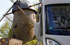 Direkt an der Bockmühle aus dem 18. Jahrhundert liegt der Wohnmobilpark in Rheurdt. (Foto Womopark Rheurdt)