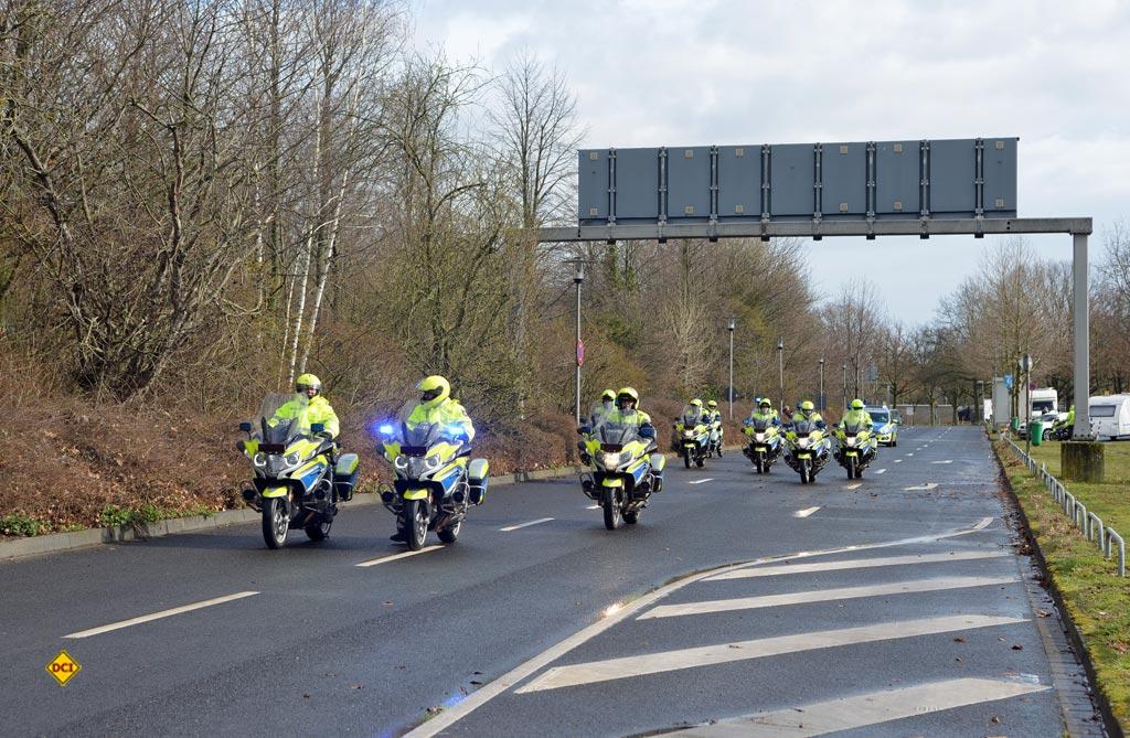 Gut beschützt und prima geleitet: Die Polizei Düsseldorf sorgte für einen reibungslosen Ablauf des Korsos. (Foto: det / D.C.I.)