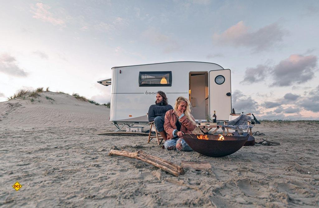 Beachy heißt die neue Hobby Wohnwagen-Baureihe, die von den Stränden Schleswig-Holsteins inspiriert ist und Strandgefühl auf die Campingplätze bringen soll. (Foto: Hobby)